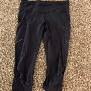 Lululemon crops leggings pants size 8 medium
